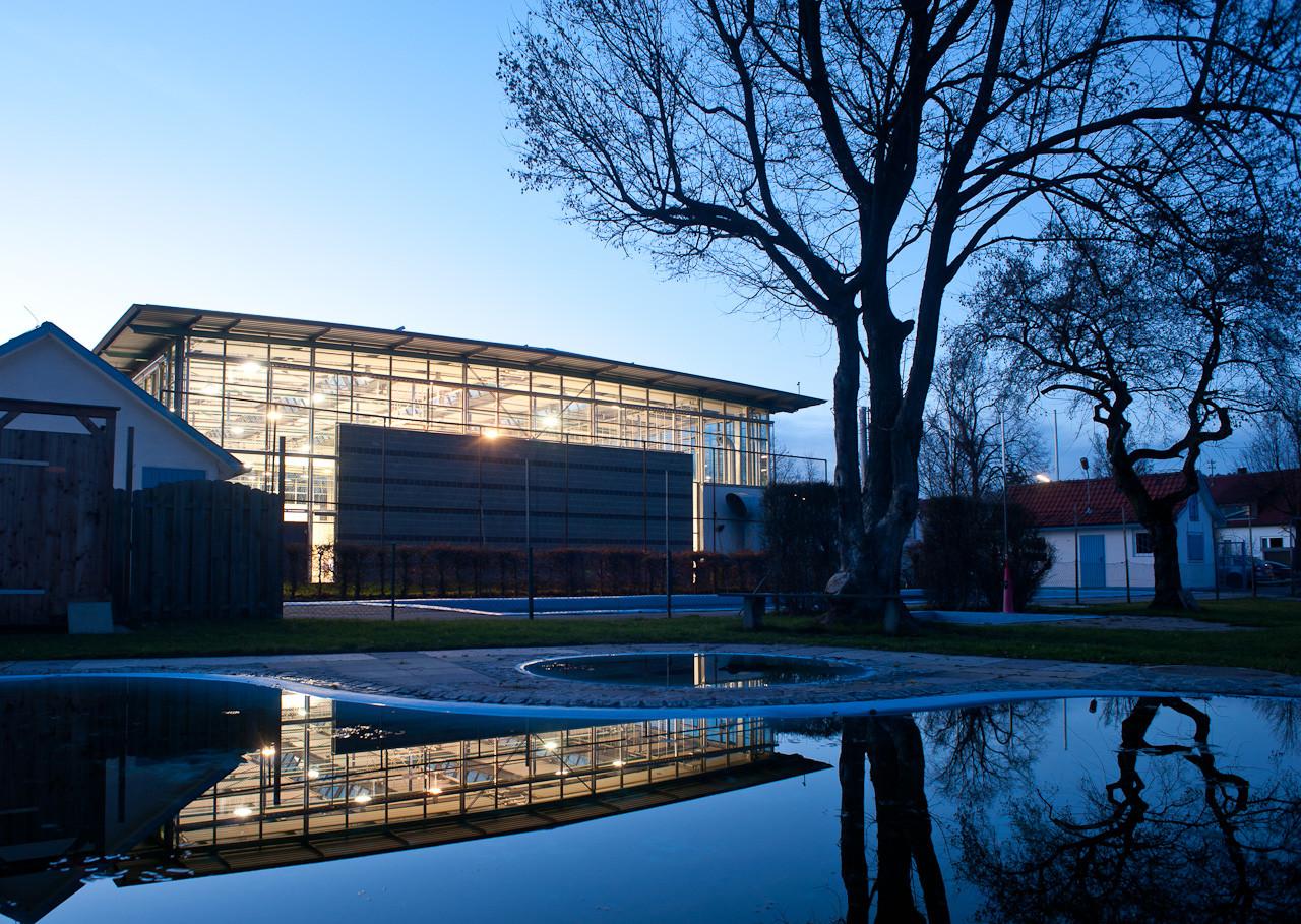 Bronnbach Halle Schorndorf mit Freibad Weiler