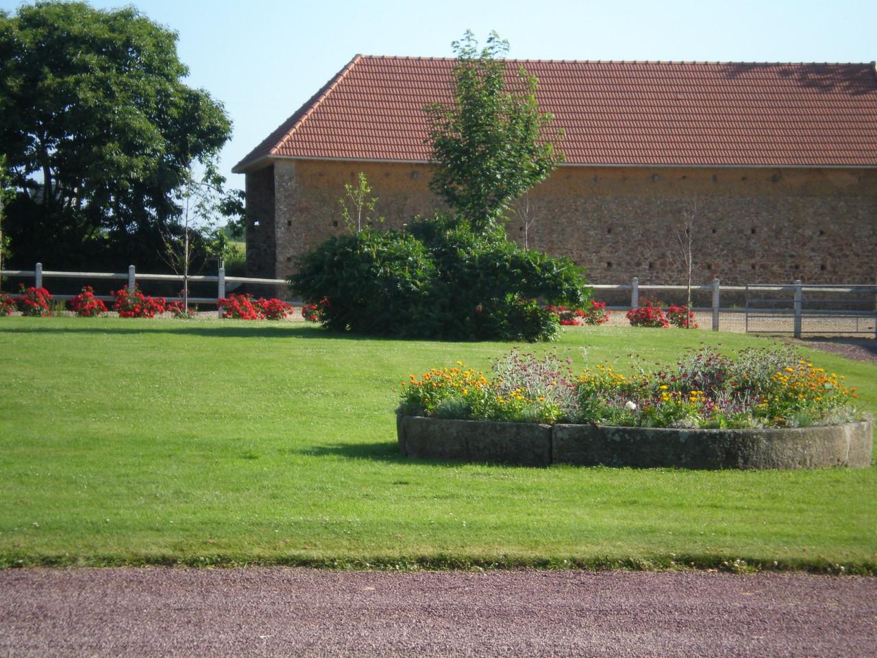 Jardin nord-Vacances en gite à Millières