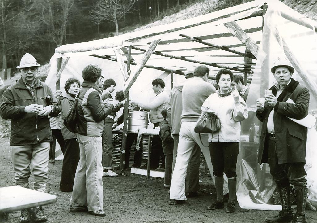 Kontollpunkt anlässig der Wanderung  bei der Viehhütte im Jahr 1980