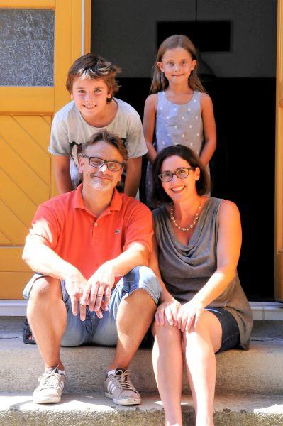 Klaus, Sylvia, Jakob und Klara Hastenteufel freuen sich auf Ihren Besuch.