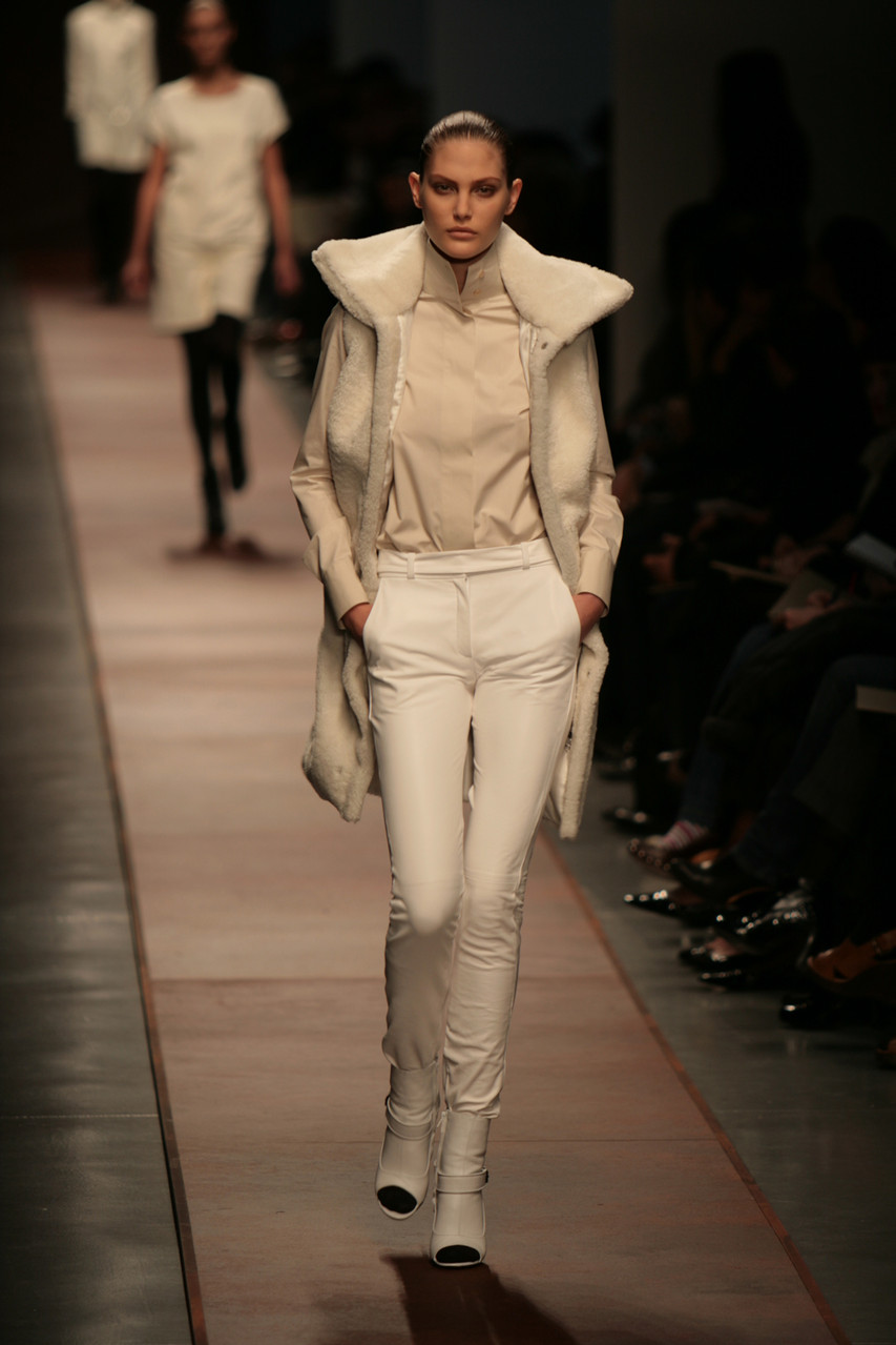 Milan, Ita fashion week   All rights reserved 