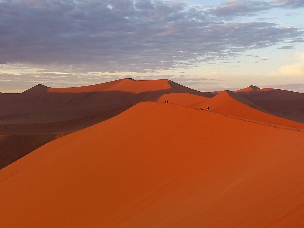 Dune 45 im Sossusvlei: Sonnenaufgang in Namibia