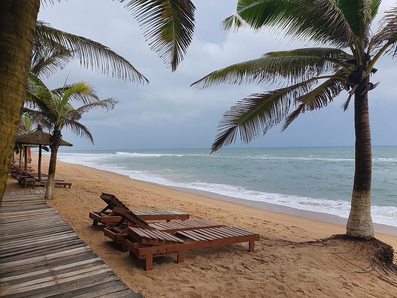 Togos einziger Badestrand: Coco Beach bei Lomé