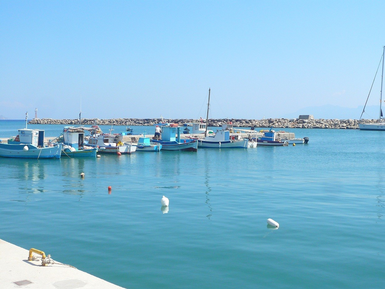 Fischerboote im Hafen von Kardamena