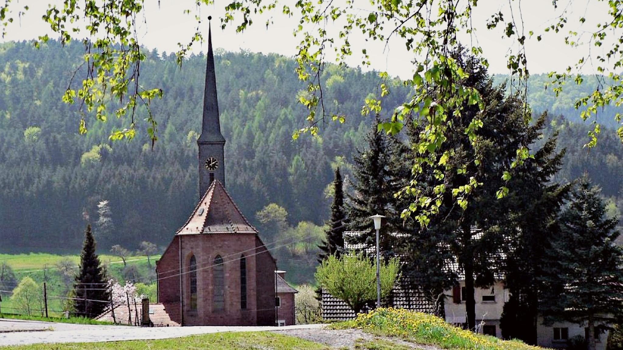 Sonnenstraße Blick auf Kirche