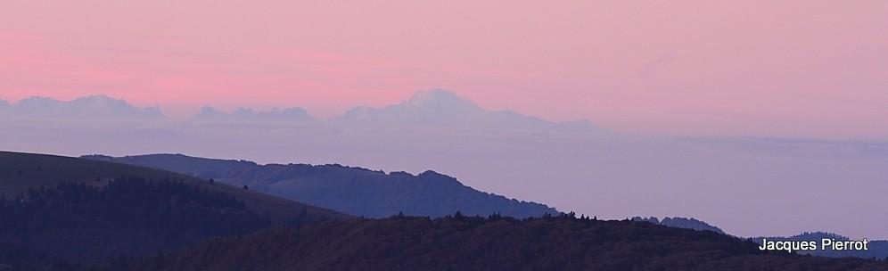 Samedi   15 octobre 2011.Les Alpes vu du Hohneck le Mont blanc  (Hautes Vosges)
