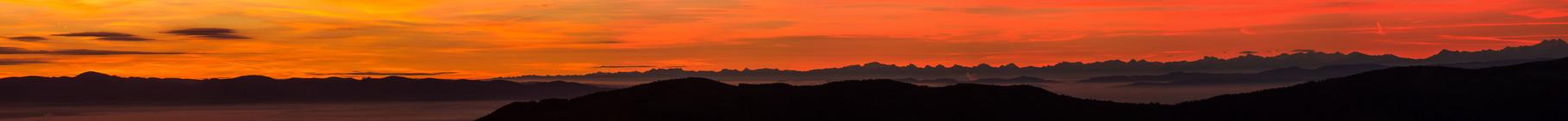 Le 18/10/2014  Les Alpes au lever du jour depuis le Hohneck (Hautes Vosges)