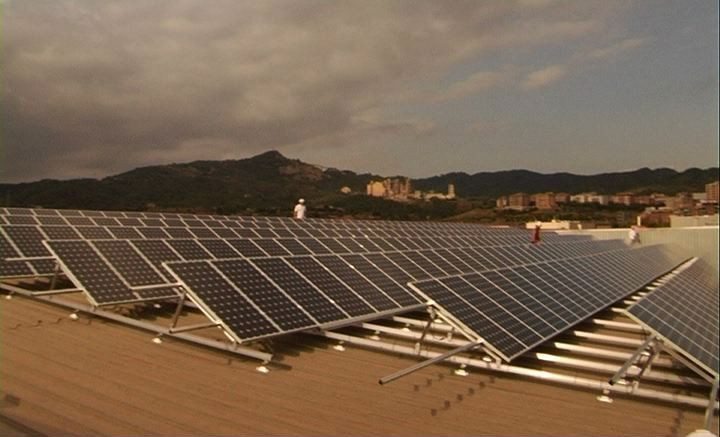 alkaSOL / EST project:Barcelona  -  elevated alkaSOL PV-system in Spain