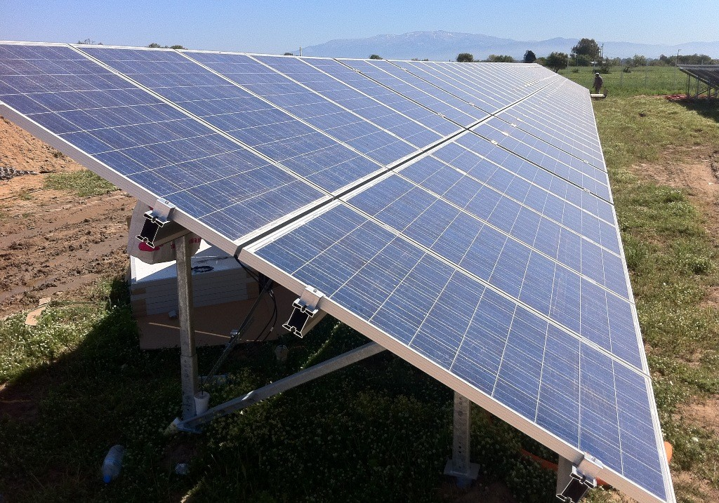 EST structure on 1,7 MWp pv-site in Greece
