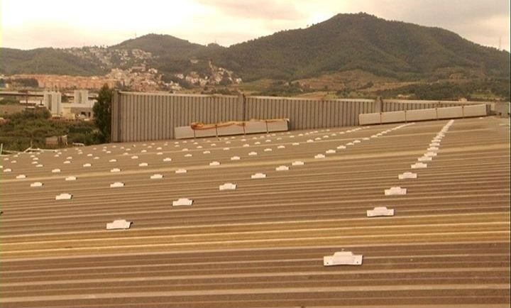 alkaSOL / EST project:Barcelona  -  fixings for PV-structure on trapezoid roof
