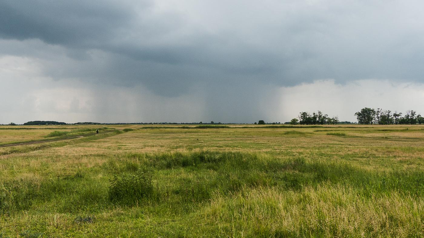 Wolkenbruch in der Hortobagy Puszta (Ungarn)