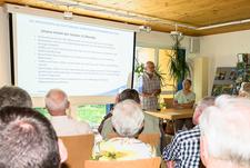 Vorsitzender Richard Kalkbrenner erläutert die vielfältigen Aktivitäten der letzten 12 Monate