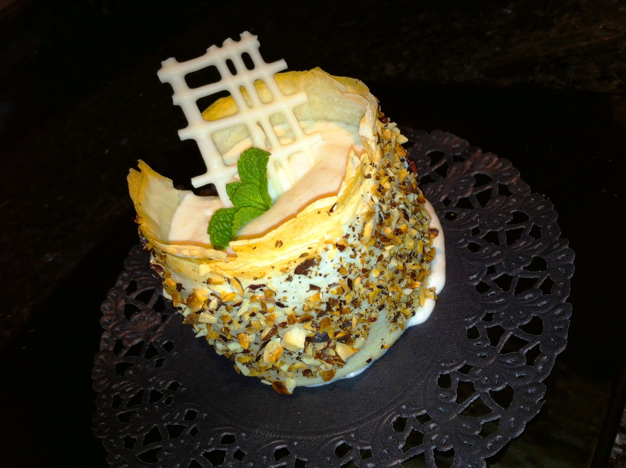 Birnenmousse im Haselnuss-Cannelloni