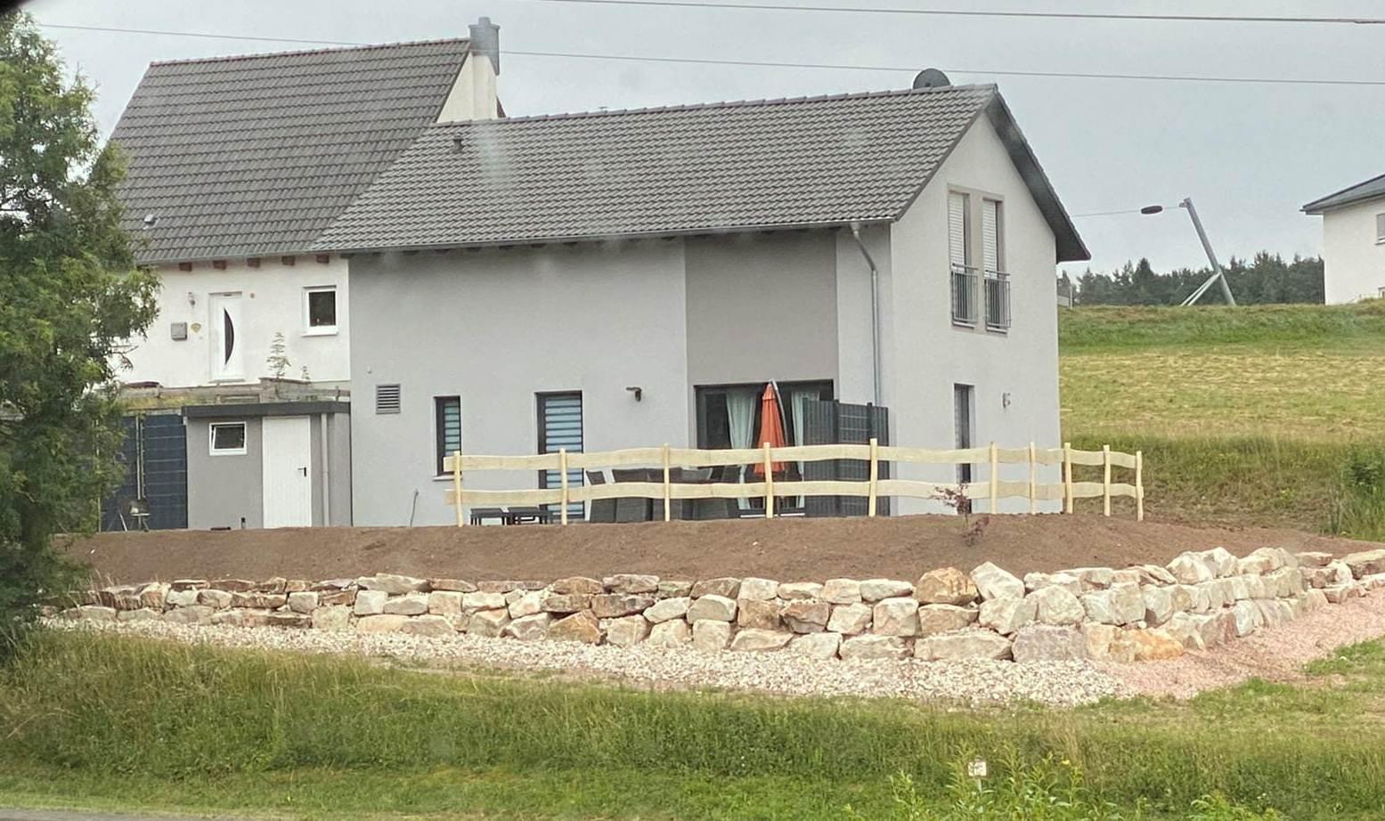 """Mauerbau mit """"Allenbacher Steine"""""""