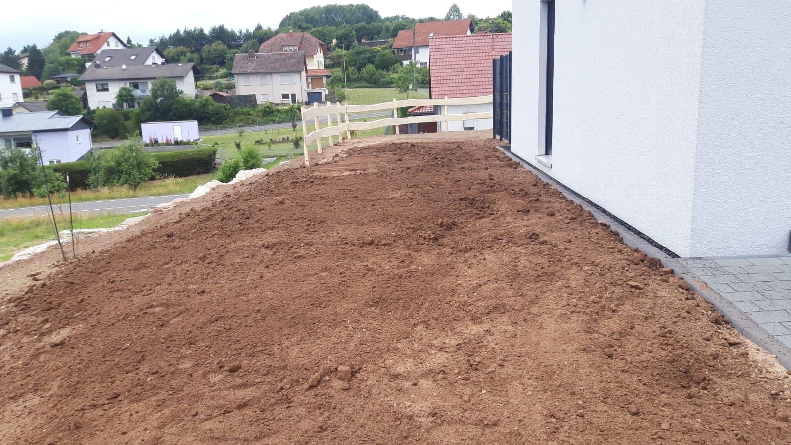 Einbau von Mutterboden