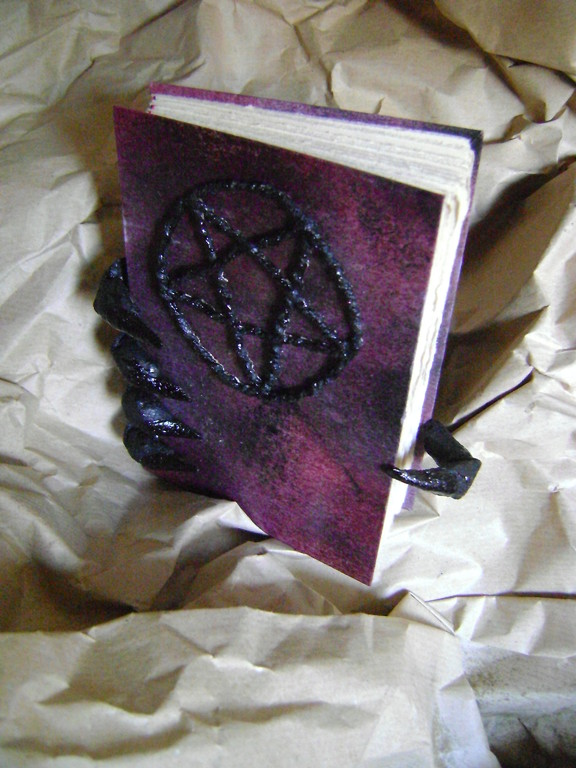 Deamon book of shadows