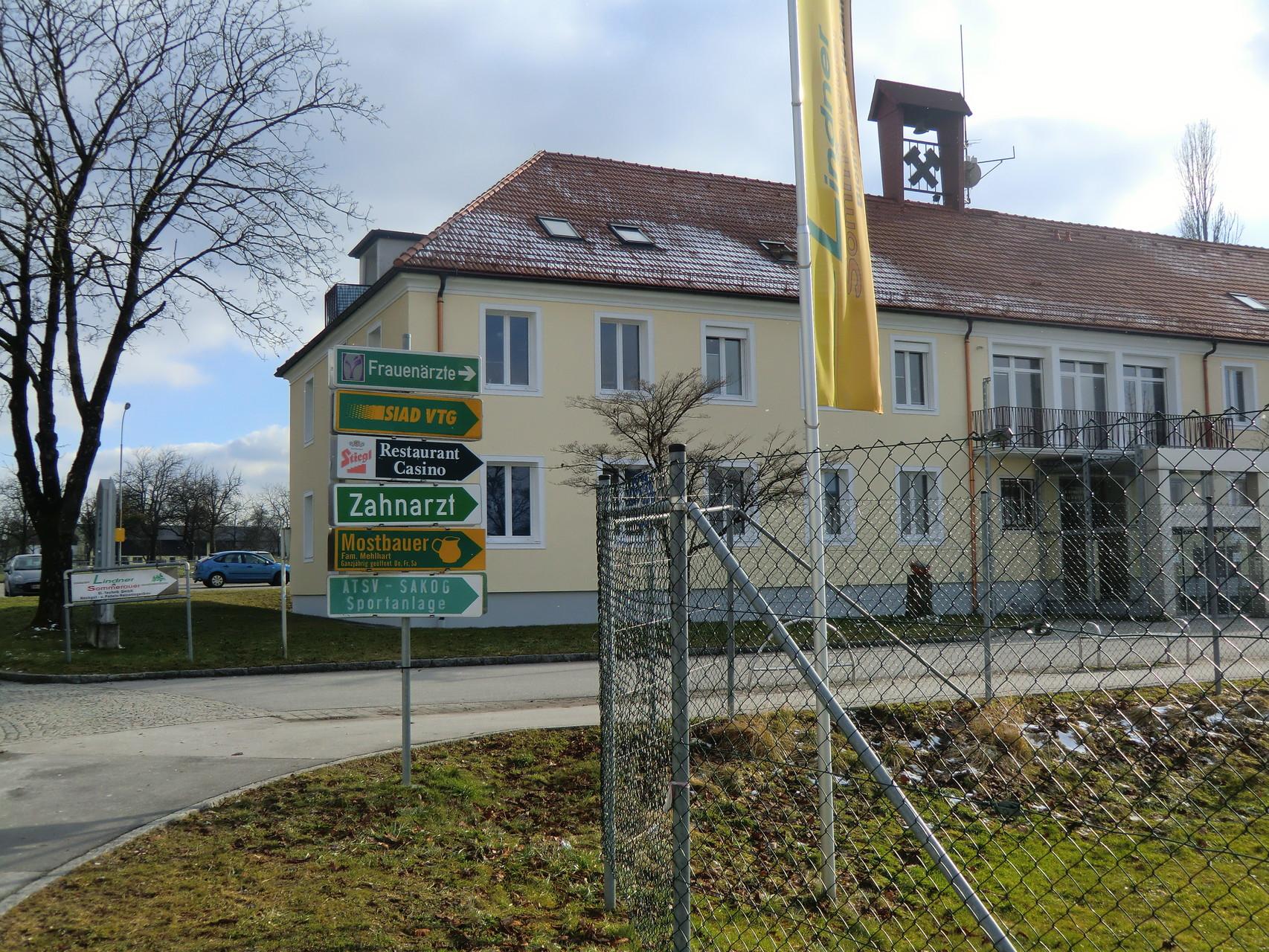 Gewerbe- und Dienstleistungszentrum Bergwerkstrasse 1 in Trimmelkam