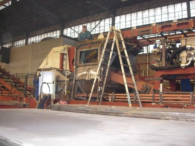Bahnbaumaschine im Rohbau