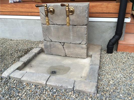 モルタル造形外構施工事例 水栓柱をモルタル造形で施工