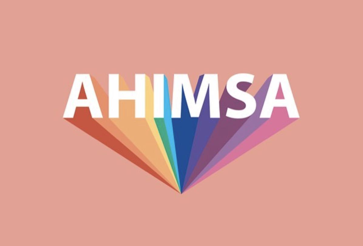Ahimsa – Wie uns Yoga helfen kann, liebevoller mit uns und anderen umzugehen