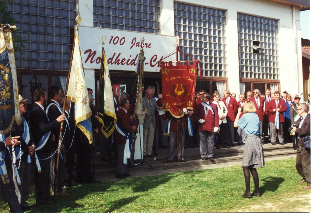 Fahnenweihe 1995 (100 Jahre Nordheide-Chor)