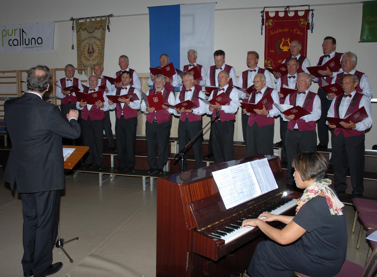 Herbstkonzert 2012 Nordheide-Chor beim Auftritt