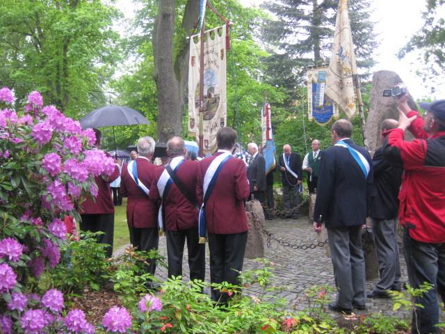 Sängerfest der Heideblume 2009 - am Ehrenmal
