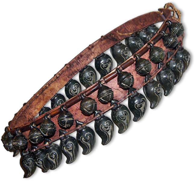 Reconstitution of a bells collar for horse. Project manager: Patrick Kersalé. Bronze casting: Sopheap Khmer enterprise.  Siem Reap.