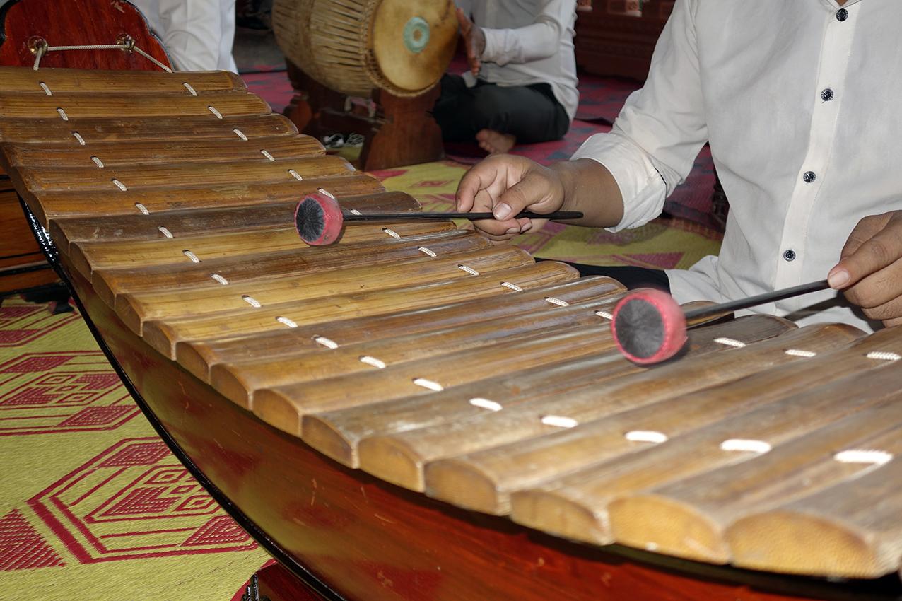 Détail des lames de bambou du roneat ek du Vat Reach Bo. Remarquez le dispositif de ligature des lames.