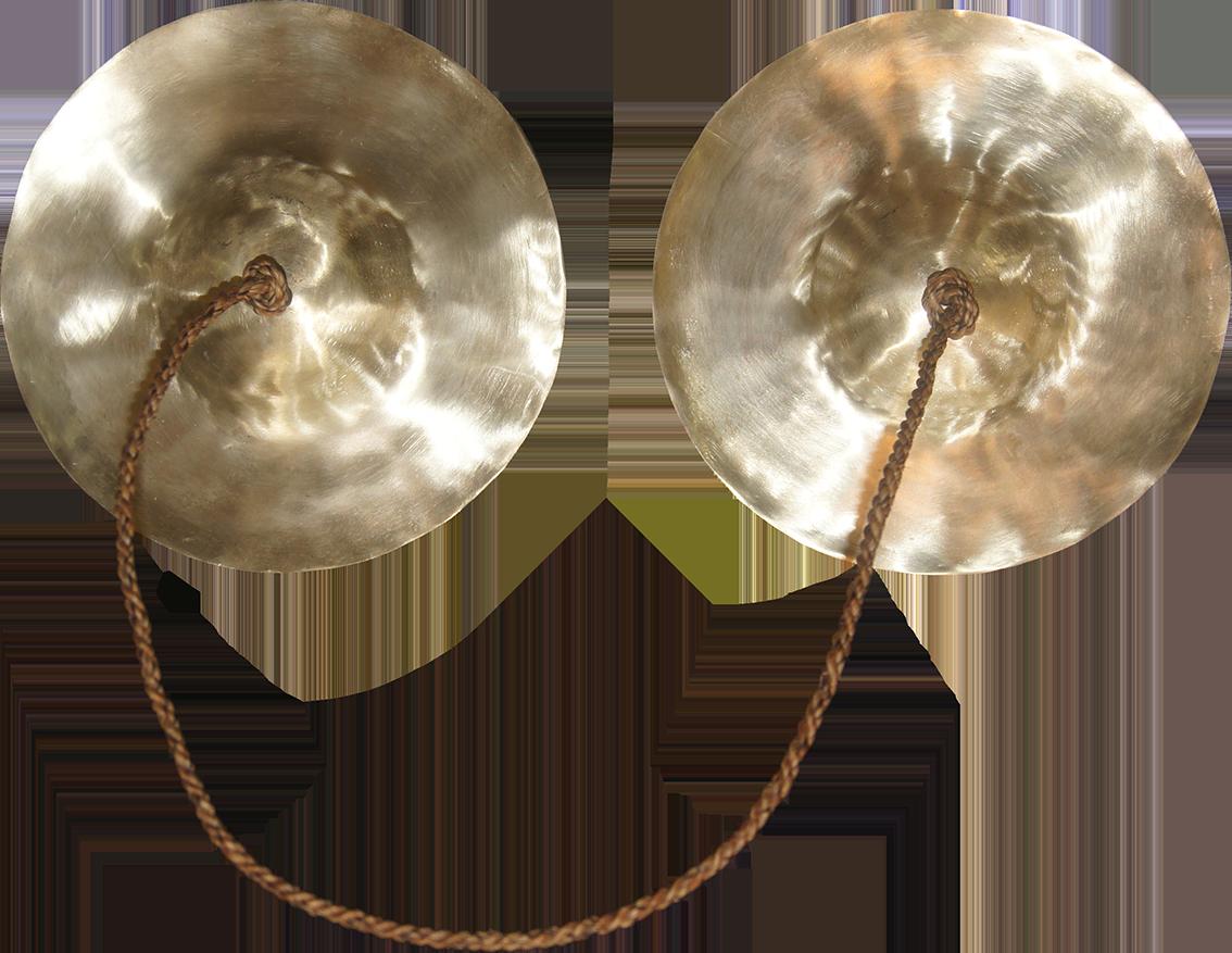 Cymbales vues de face. Résultat final après ponçage mécanisé.