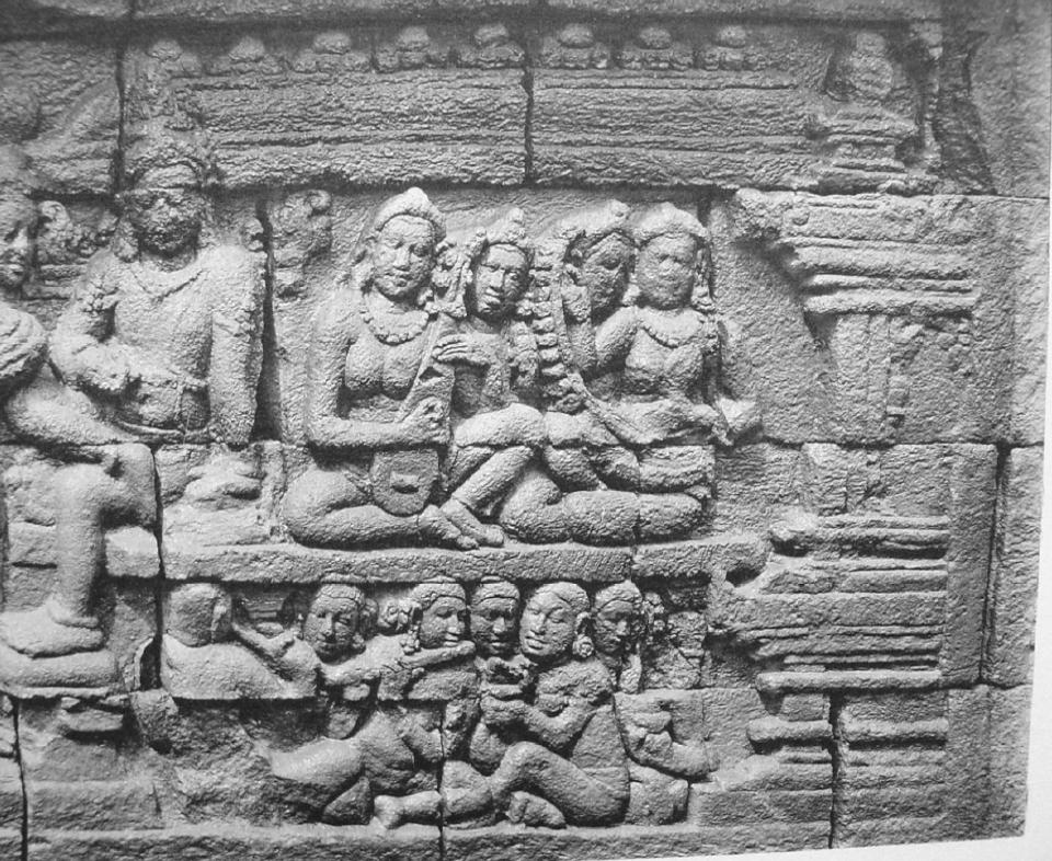 Orchestre avec luth. Borobudur. IXe s. photo Kassian Céphas, 1890-91.