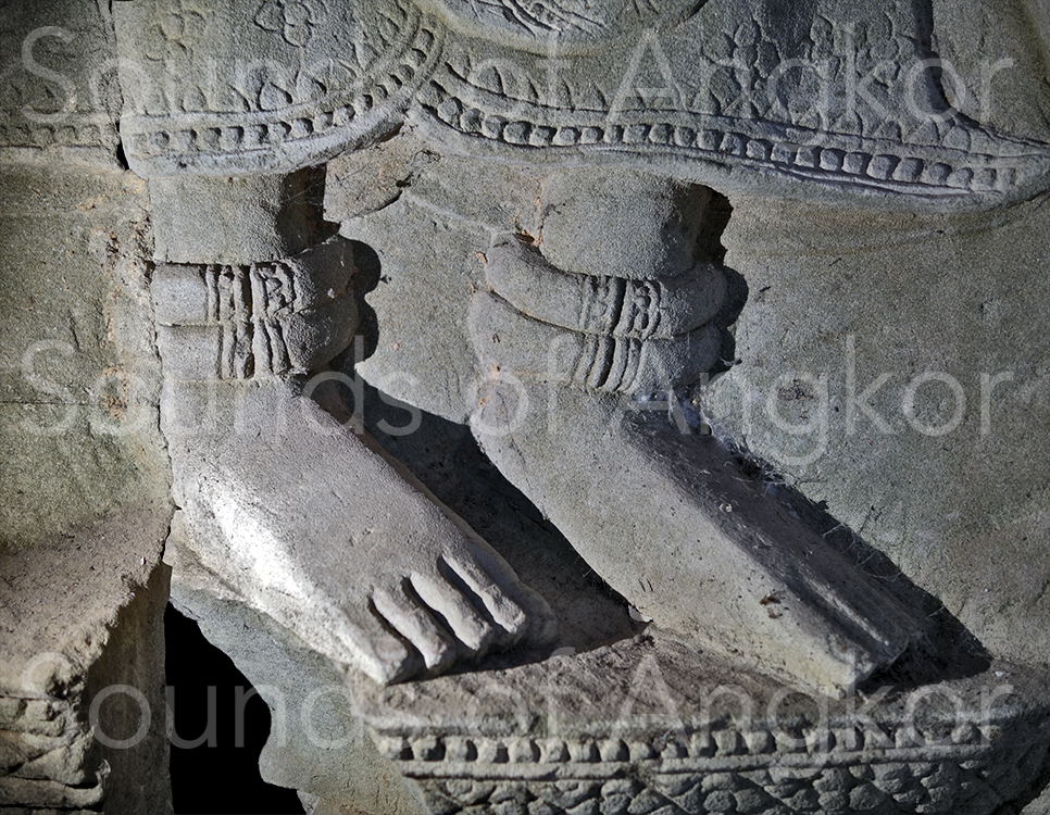 Bracelets de cheville toriques de la reine. Preah Khan. Fin XIIe s.