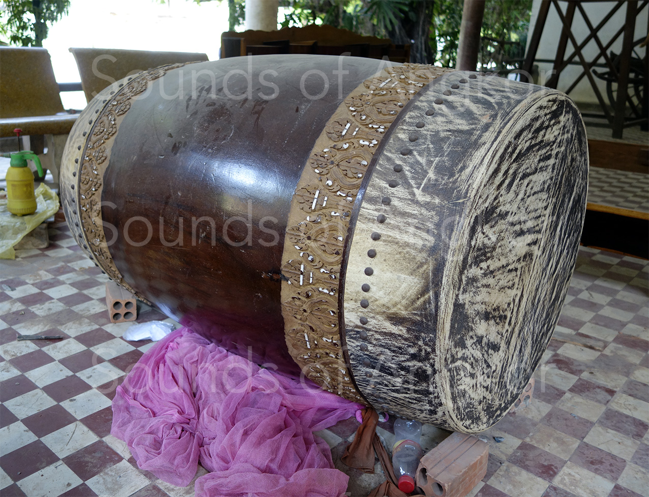 The new drum at Wat Reach Bo being made. 2016.
