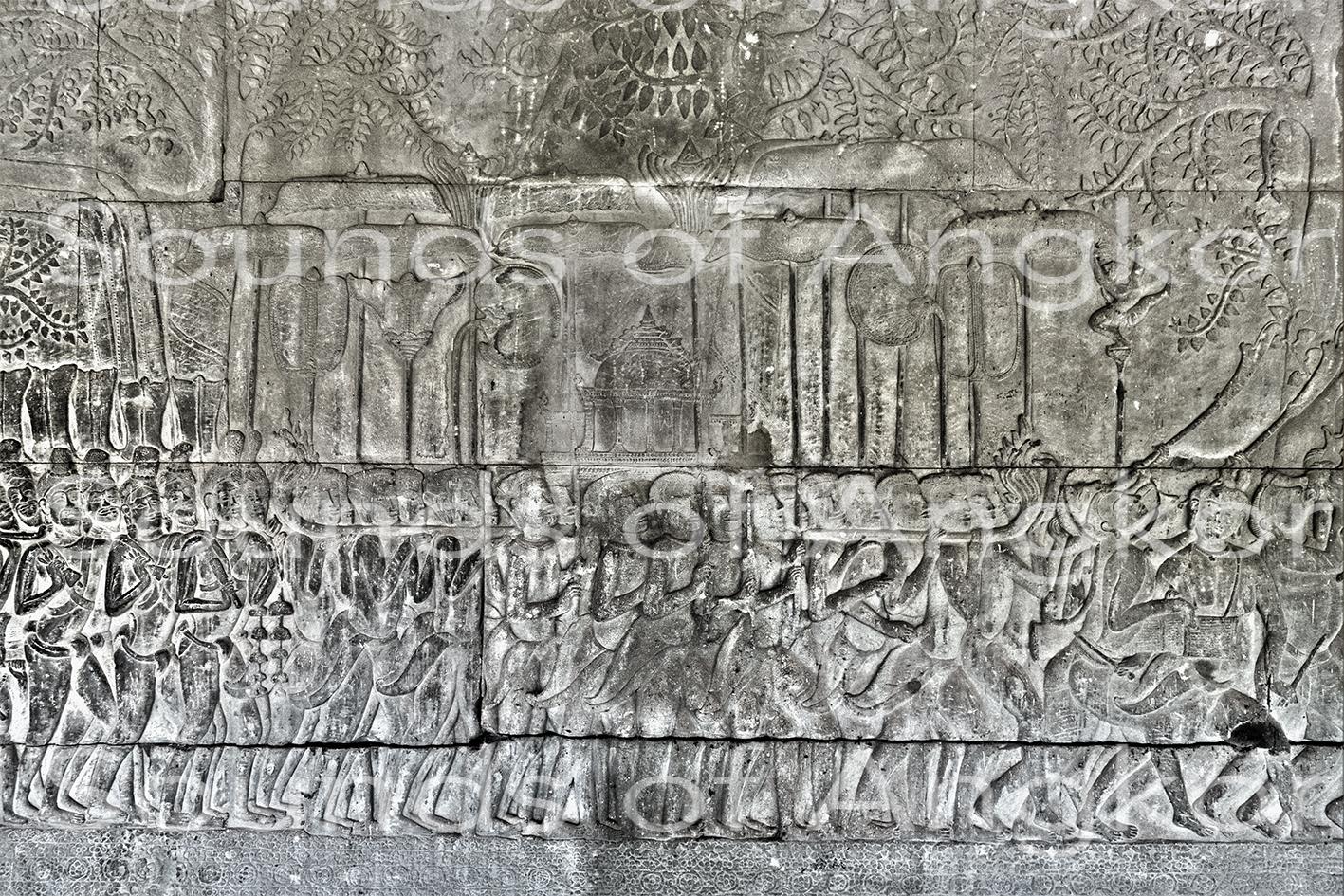 Les brahmanes accompagnent le feu sacré. Angkor Vat, galerie sud, travée ouest.