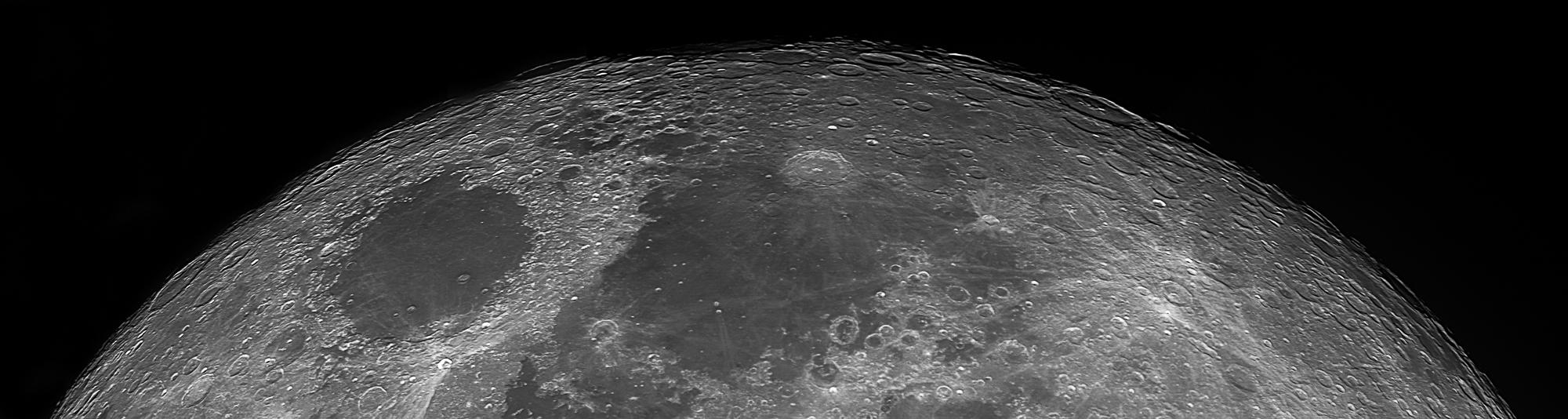 Panorama réalisé à partir de 4 clichés - compilationb de 4 vidéos de 3000 images chacune à 57i/s. Maksutov 180/2700mm, caméra ZWO 174MM, filtre UV/IR cut