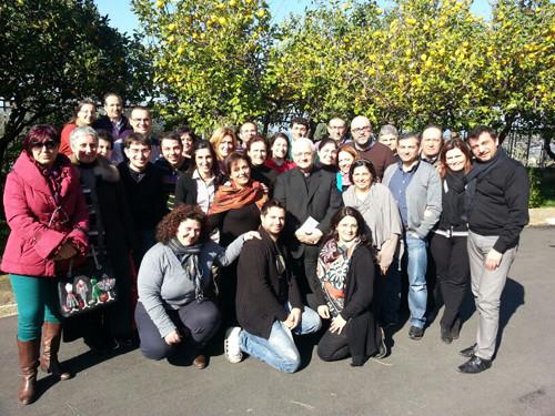 Foto di gruppi dei partecipanti agli esercizi spirituali diocesani 2013, insieme al Vescovo S.E. Mons. Francesco Milito