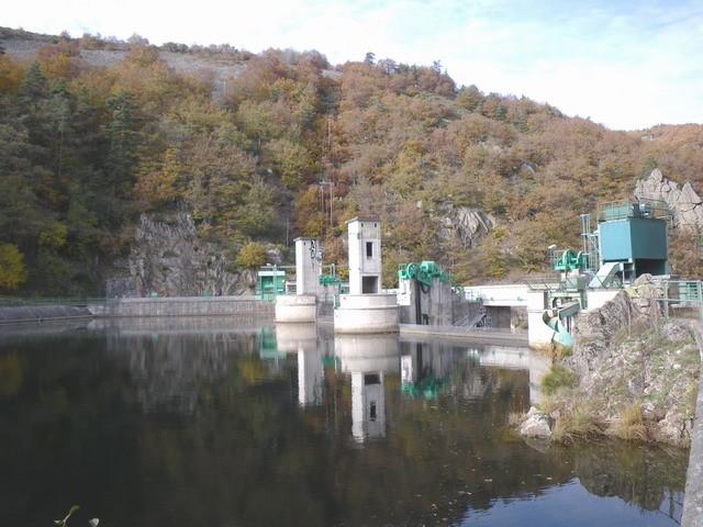 Le barrage n'est pas en bon état...
