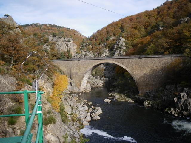 Aval du barrage, l'Allier y reviendra un jour ...