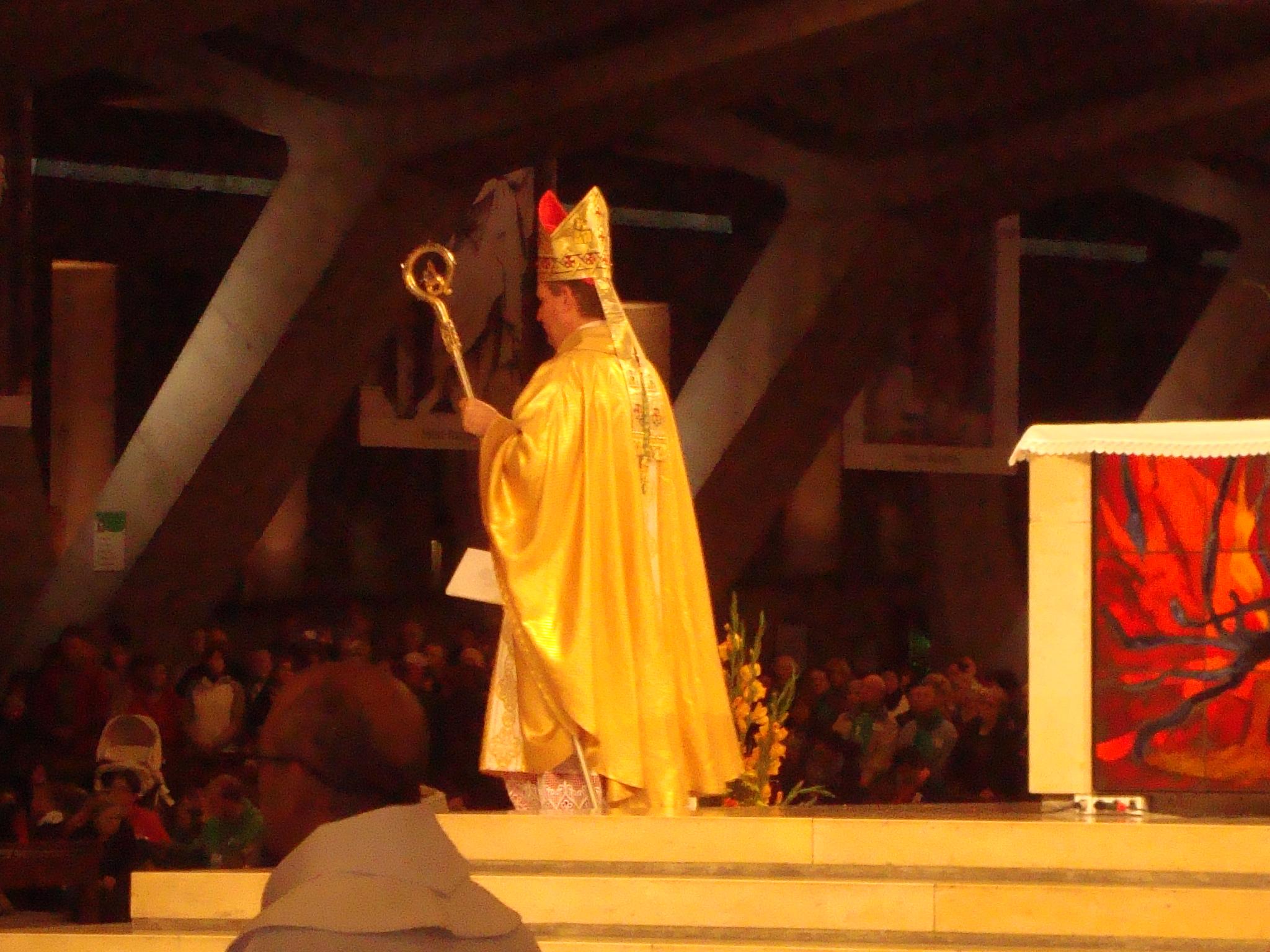 Bischof als Vorsteher des internationalen Gottesdienstes