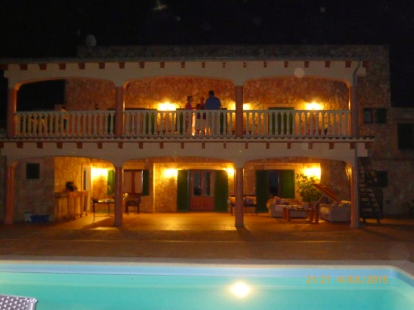 Die Finca by night