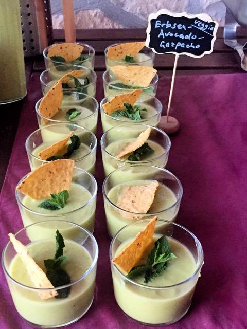 Lecker: Erbsen-Avocado-Gazpacho