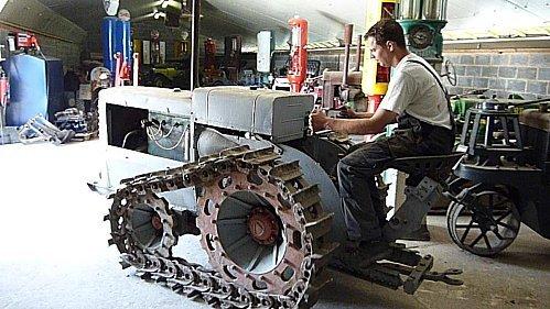Tracteur Vidal à moteur Baudouin