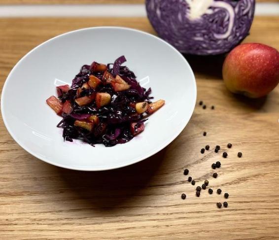 Lauwarmer Krautsalat mit Bio Leinöl