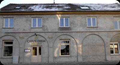 """Die Fassade des Restaurants """"Carpe Diem"""" zum Testzeitpunkt / Januar 2013"""