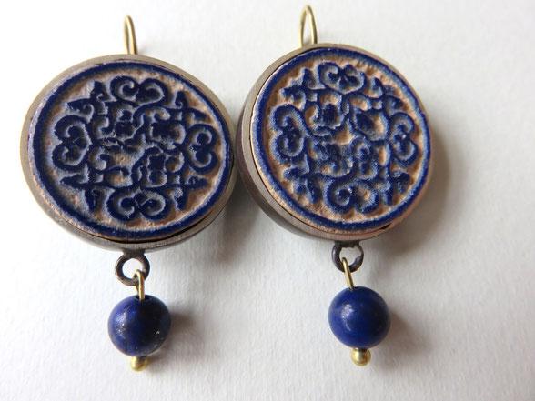 Afarin - boucles faites main - argent, laiton et lapis Lazuli - motif provenant d'une assiette seldjoukide