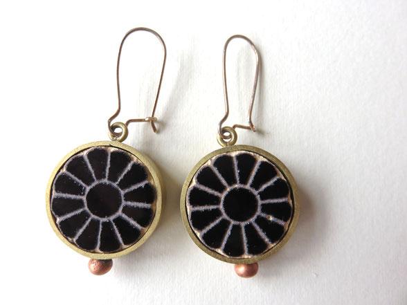 Afarin - boucles faites main - argent, cuivre et laiton - motif provenant de la fleur de lotus (Achéménides, 6e-4e siècle avant JC)