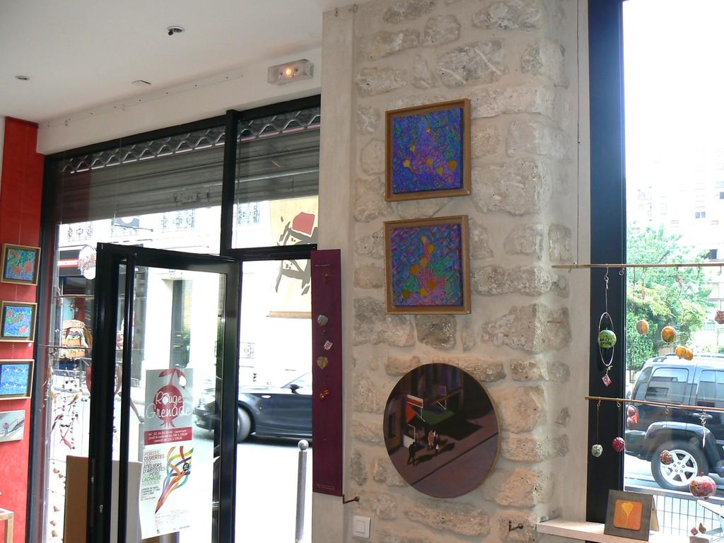 2 peintures carrées F. Trotabas - 1 peinture ronde  M.Najand