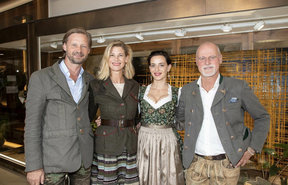 Exklusive Präsentation in Salzburg: Österreichs Jägerinnen bekommen ihre eigene Jacke