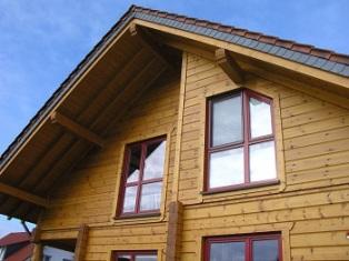 Fensteranssicht von Wohnblockhaus - Holzhaus Bauen