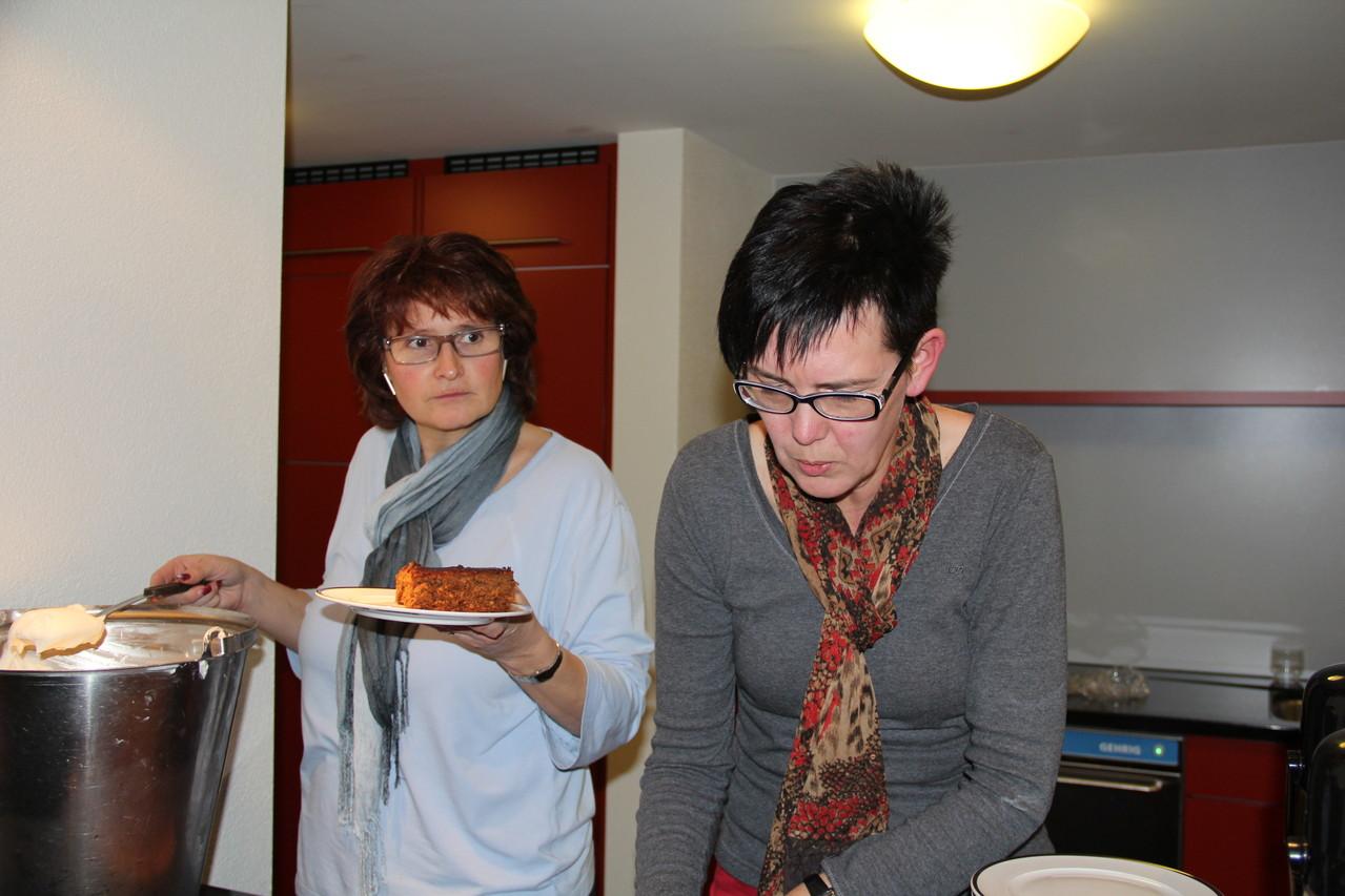 Im Küchenteam: Franziska Michel und Martina Odermatt